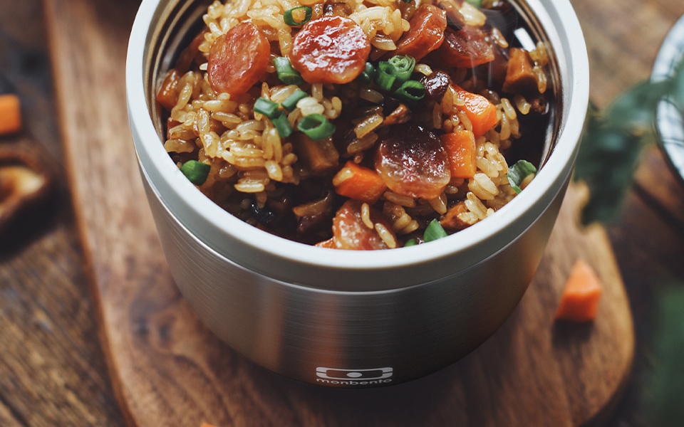 Fried glutinous rice with smoked bacon